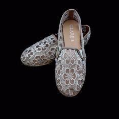 Glare รองเท้าผู้หญิงลูกไม้ (สีครีม)