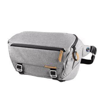 Harga Peak Design Everyday Sling 10L (สีเทาอ่อน)