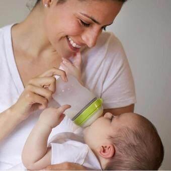 Comotomo Baby Bottle Slow Flow ขวดนมซิลิโคนเสมือนเต้านมมารดาโคโมโตโมสำหรับเด็ก 5ออนซ์ สีเขียว - 4