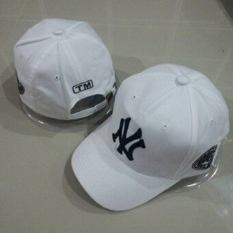 หมวกแก๊ปปีกโค้ง NY (ขาว)