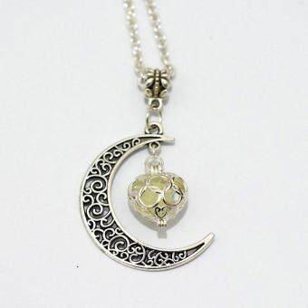 BUYINCOINS Crescent Moon Heart Glow in the Dark Necklace Charming Jewelry Luminous Chain Dark Blue - intl - 5